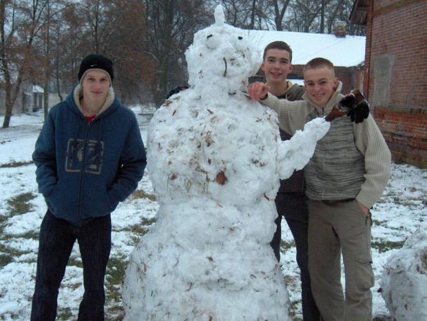 Zimowe harce mieszkańców internatu #Sobieszyn #Brzozowa #Internat