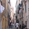 starowka w Alghero ( niewielka czesc .. ) #starowka #miasto #uliczka #kamienice