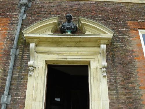 Wejscie do Domku Bankietowego #Hampton #Londyn #Tudor