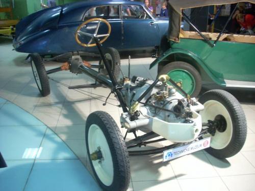 Podwozie Tatry T11 #podwozie #silnik #Tatra #T11