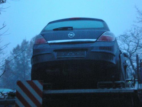 #Opel #Astra #samochód #laweta
